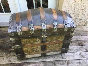 Trunk coffre malle antique 1880's