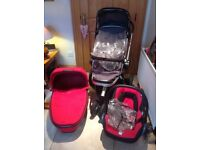 Quincy buzz, including maxi cost car seat, carrycot and buggy with all attachments & rain cover