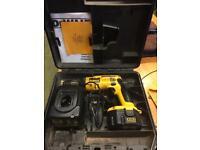 Dewalt DW996 battery drill