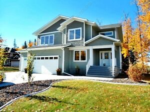 EXECUTIVE STYLE 4-BDRM HOME W/ TRIPLE GARAGE IN SPRUCE GROVE