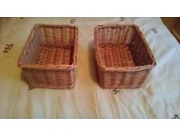 2 small wicker baskets