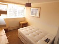 Lovely Double Room Available From 10th September!!!FANTASTIC LOCATION!!!