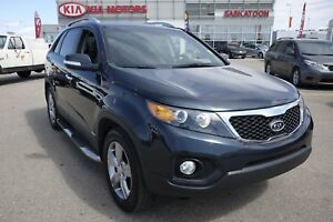 2013 Kia Sorento EX PST paid! Sunroof, Heated and cooled seat...