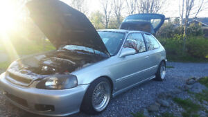 2000 Honda Civic typer turbo hatchback 3900$ négo !