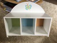 White child's storage unit good condition.