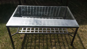 IKEA dining table and coffee table set (in great condition)