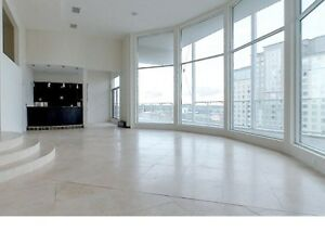 RARELY AVAILABLE 316 KING PENTHOUSE