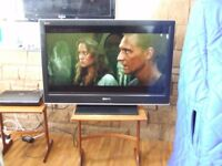 TV SONY BRAVIA KDL -40D3500 WITH REMOTE EXCELLENT CONDITION FREE EDINBURGH DELIVERY