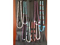 EIGHT GOOD QUALITY NEW/UNUSED NECKLACES, VARIOUS SIZES AND COLOURS AS SHOWN BY PICTURE