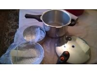 sunday sale - Prestige pressure cooker, stainless steel, 4 litre, as new excellent condition