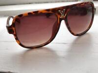 LV Sunglasses (Louis Vuitton)