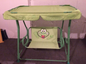 Kids Swing- Great Condition-Unisex, Comes apart for transport