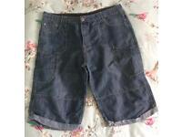Men's Denim 3/4 Length Shorts Size 107cm/ 42 Inch Waist Smoke/ Pet Free home