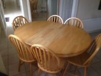 Pine extendable dining table - FOR SALE