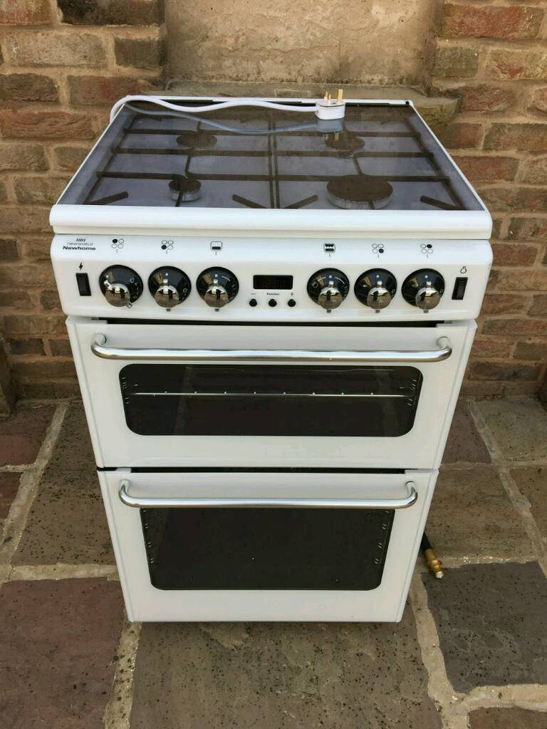 Gas cooker with pipe new condition 55cm