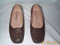 DAMART size 4 ladies brown shoes £5. Collect from Pontardawe SA8..
