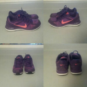 Nike air shoes (size 6 womens)