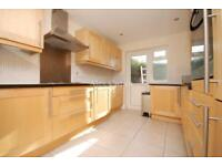 5 bedroom house in East End Road, Finchley Central
