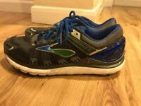 Size 9.5 brooks running trainers transcend 2