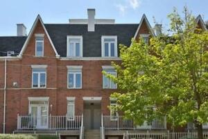 3 Bedroom Lower Level Townhome In The Liberty Village Area