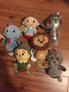 Lot of Hallmark Exclusive Itty Bitty collectibles