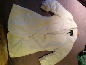 Small White Blazer from Le Chateau