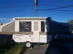 **2010 ROCKWOOD 10ft TENT TRAILER **ELECTRIC  LIFT**