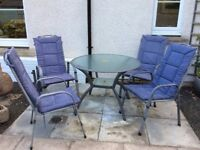 Circular Table & 4 Chairs Outdoor Garden Furniture complete with Cushions and Umbrella
