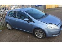 Fiat punto 1.3 turbo diesel 6 speed very light damage to front with parts