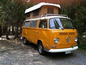 1972 VW Camper Van $13500