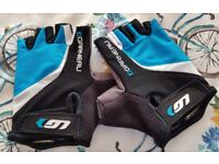 Ladies Louis Garneau gel gloves - Size M
