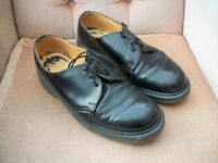 DR MARTENS BLACK SHOES - UK SIZE 9