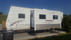2011 Conquest (Gulf Stream) 27 Ft Trailer **IN IMMACULATE COND**