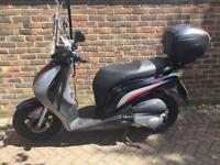 Honda psi 125 full logbook mot £900 Ono