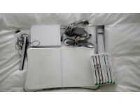 Nintendo Wii Bundle (White) 7 Games including Wii Fit