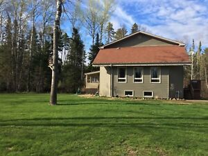 Beautiful Country Home! Open to Offers!