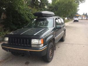 1993 Jeep Grand Cherokee Gold SUV, Crossover