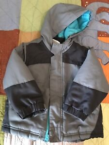 Old navy winter coat size 3t
