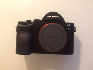 Sony a7s With 5 Batteries