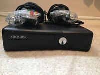 Xbox 360, Contollers and 2 games
