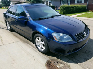 2005 Nissan  Altima 2.5s sedan fully loaded