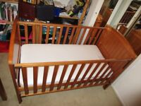 Henley Cot bed in Antique - excellent condition!