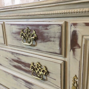 Sage Sideboard Hutch Buffet Console - Chalk Painted - Chippy Pai