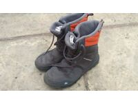 Decathalon snow boots adult size 8