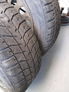 2 pneu tires blizzak avec rimes on rims 205 55 r16