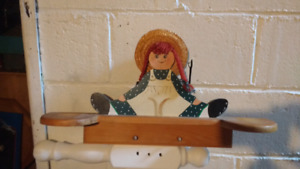 Wooden handcrafted Annic Green Gables key holder or hat holder