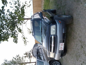 2004 Chevrolet Tracker ZR2 SUV, Crossover