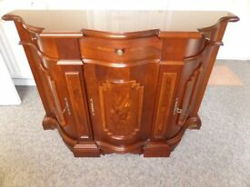 NOVALINEA SHAPED SIDEBOARD