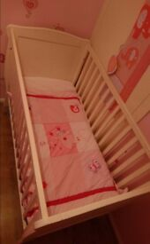 Mamma and papas cot with mattress and bedding