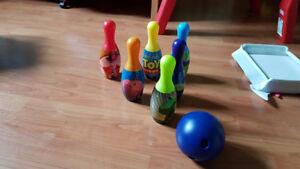 Jeux de quilles ''histoire de jouets''